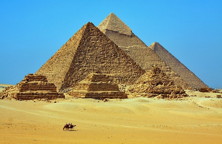 Top 10 attractions In Cairo