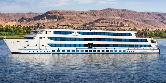 10 Days Cairo and Nile cruise New Year Holiday package