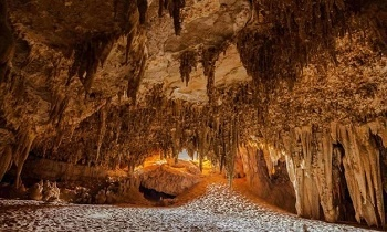4 days tour to the white desert with Djara Cave and Bahariya oasis from Cairo