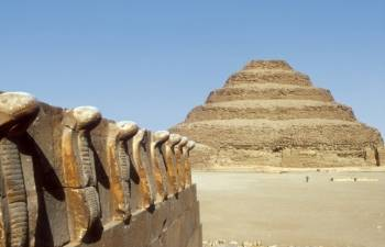 Day trip to Giza Pyramids and Sakkara from Hurghada