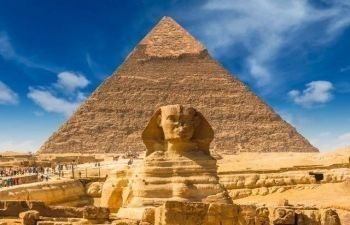 Tour to Giza Pyramids and the Sphinx from Cairo