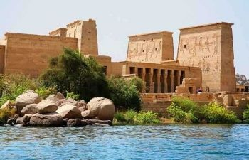 luxor aswan and abu simble two days tour from Makadi